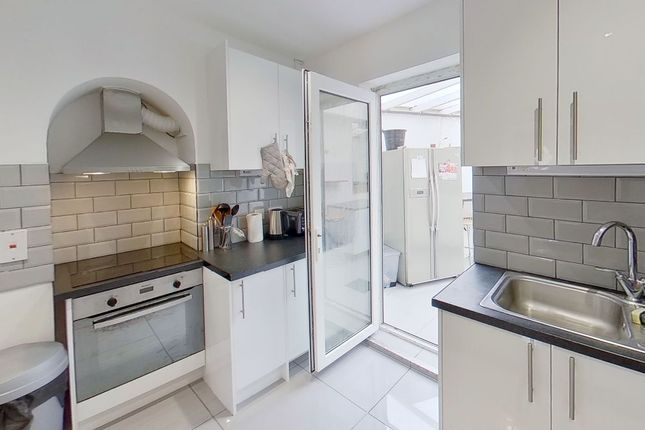 Thumbnail Semi-detached house to rent in Stag Hill, Guildford