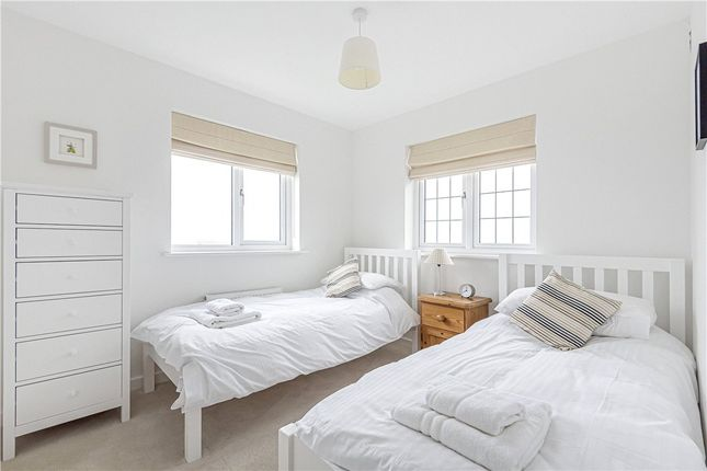 Bedroom of Oak View, Lyme Regis DT7