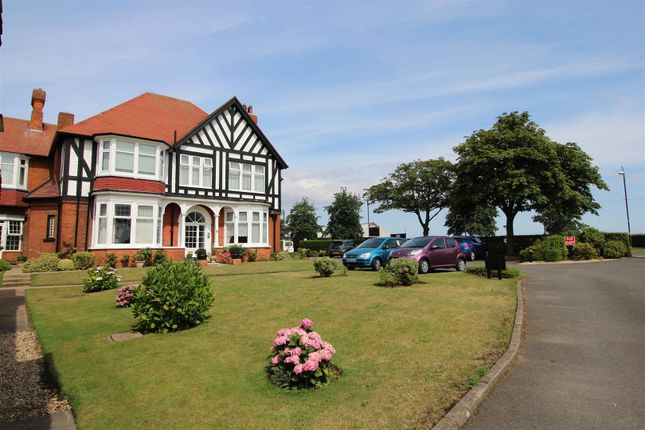 Thumbnail Flat for sale in Apt. 3, Summerfields, 7 Kings Road, Cleethorpes