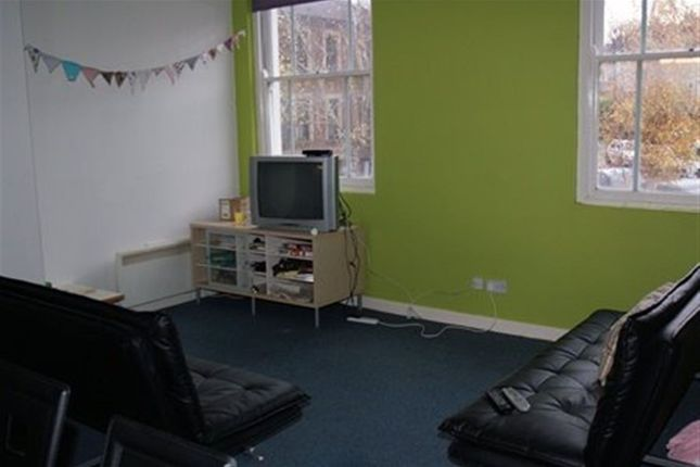 Thumbnail Flat to rent in Cromwell Road, St. Andrews, Bristol