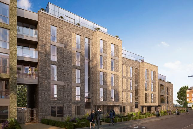 2 bedroom flat for sale in Woods Road, Peckham, London