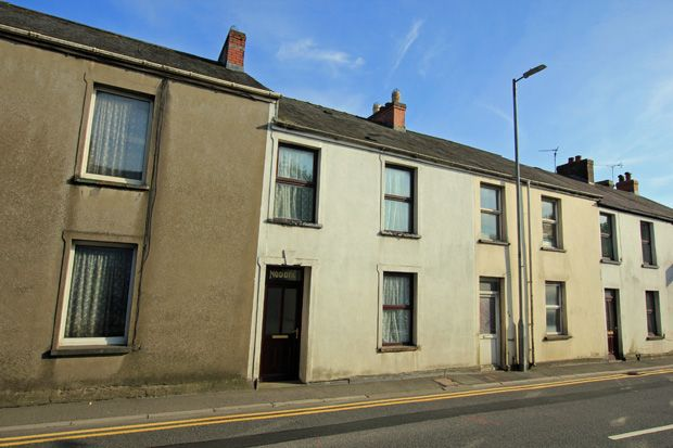Terraced house for sale in Richmond Terrace, Carmarthen, Carmarthenshire