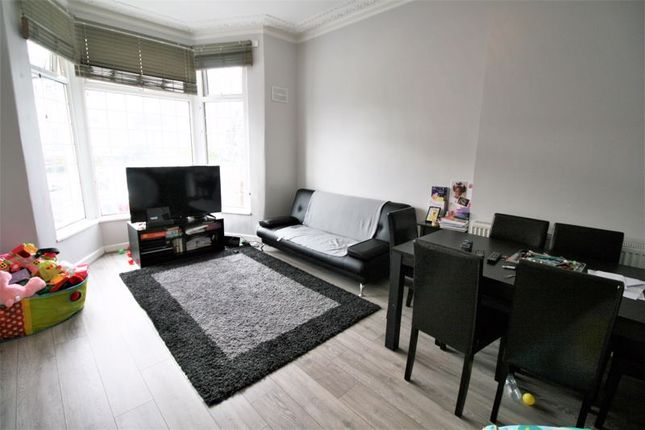 Thumbnail Flat to rent in Endsleigh Gardens, Cranbrook, Ilford