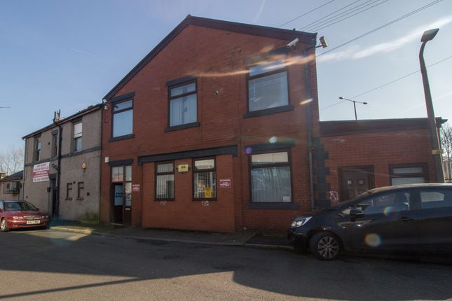 Thumbnail Leisure/hospitality to let in Woodhill Road, Bury