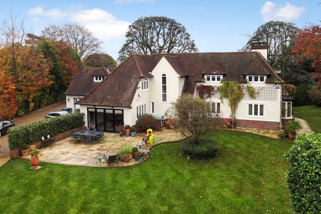 Thumbnail Detached house to rent in Lunghurst Road, Woldingham, Caterham