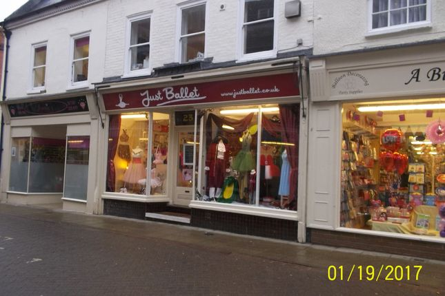 Retail premises to let in Hill Street, Wisbech