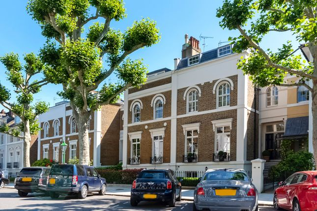 Thumbnail Property to rent in Addison Avenue, Holland Park, London