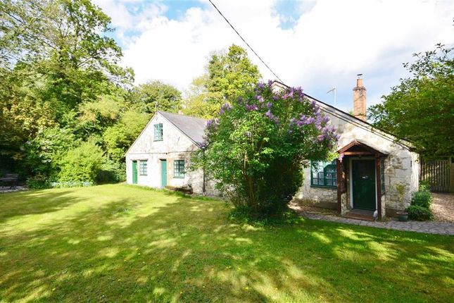 Thumbnail Cottage for sale in Dippenhall, Farnham