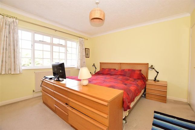 Thumbnail Detached house for sale in Montague Gardens, Petersfield, Hampshire