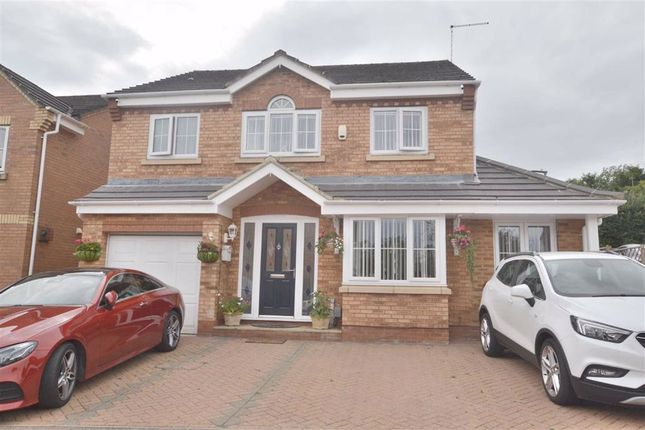 Thumbnail Detached house for sale in Redwing Close, Poplars, Stevenage, Herts
