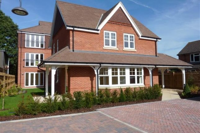 Thumbnail Flat for sale in Peel Court, Pangbourne