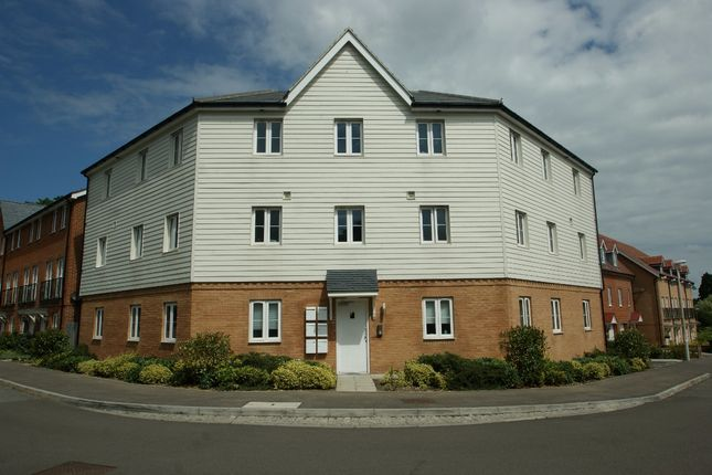 Thumbnail Flat to rent in Greystones, Willesborough, Ashford, Kent