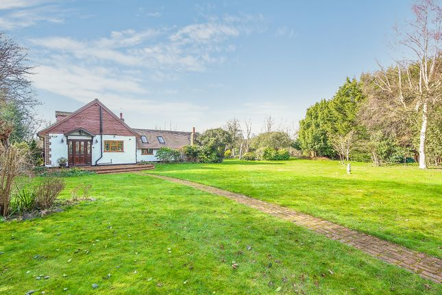 Thumbnail Detached house for sale in Woodcote Grove, Coulsdon