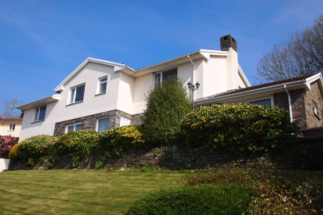 4 bedroom detached house for sale in Willowfield, Braunton