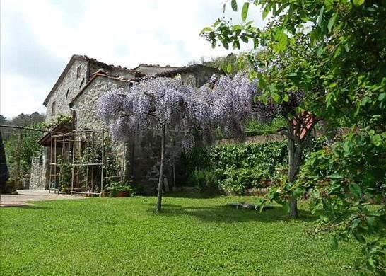 1 bed farmhouse for sale in Lucca, Tuscany, Italy