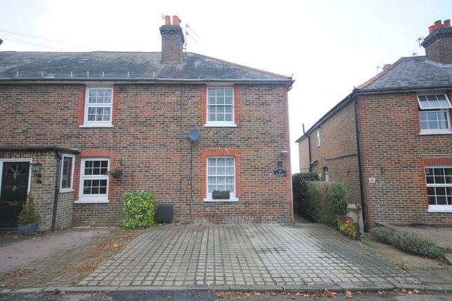 Thumbnail Semi-detached house to rent in The Platt, Dormansland, Lingfield
