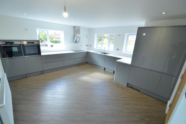 Thumbnail Detached house for sale in Smithfield Avenue, Trowell, Nottingham