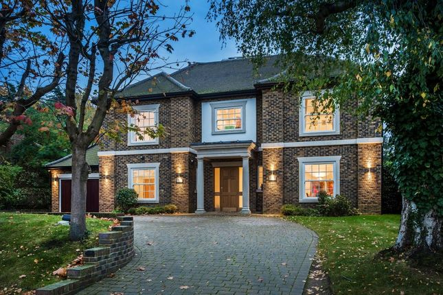 Thumbnail Detached house for sale in Downs Side, South Cheam, Sutton
