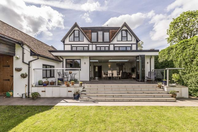 Thumbnail Property for sale in Temple Gardens, Staines