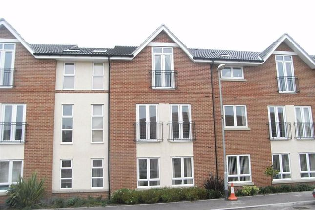 2 bed flat to rent in Richmond Gate, Hinckley LE10