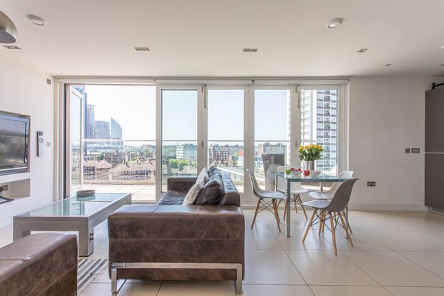 Thumbnail Flat to rent in East Road, London
