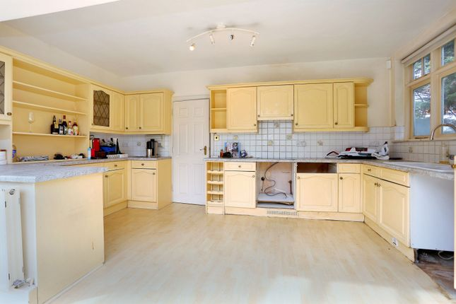 Kitchen of Hartington Road, Chiswick W4
