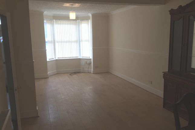 Thumbnail Terraced house to rent in Iddesleigh Road, Bedford