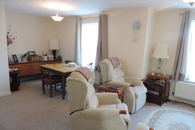 Thumbnail Flat to rent in Ashmead Road, Banbury