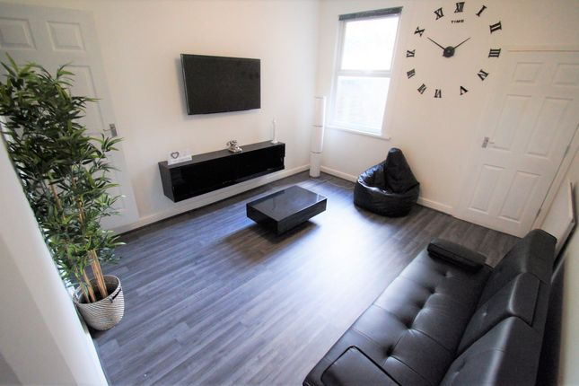 Thumbnail Terraced house to rent in Vine Street, Hillfields, Coventry