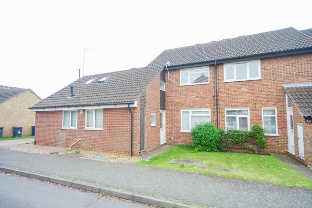 3 bed terraced house to rent in Edinburgh Drive, St. Ives