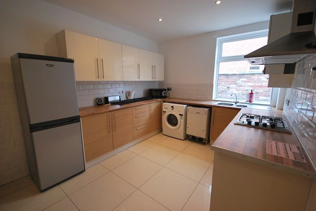 Thumbnail Terraced house to rent in Fortuna Grove, Fallowfield, Manchester