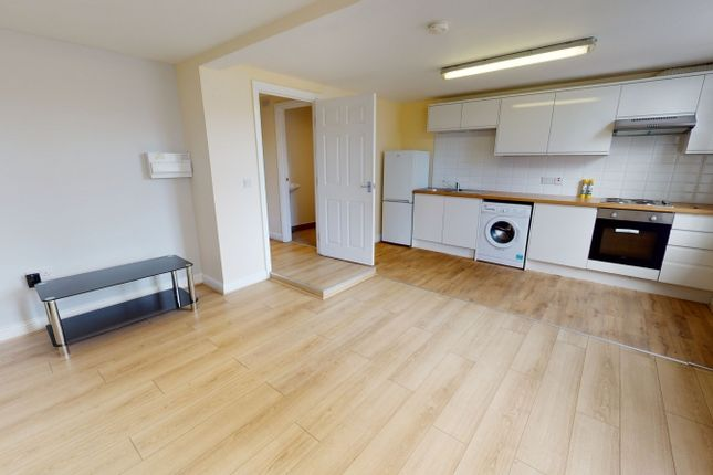 Thumbnail Flat to rent in Armley Road, Armley, Leeds