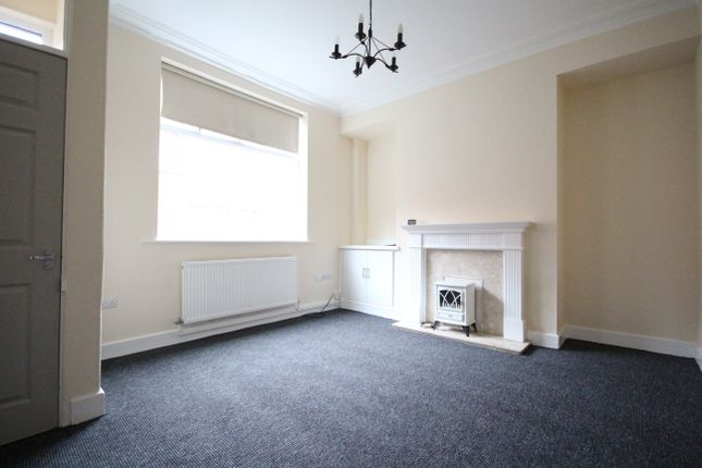 2 bed terraced house to rent in Queens Road, Walton-Le-Dale, Preston