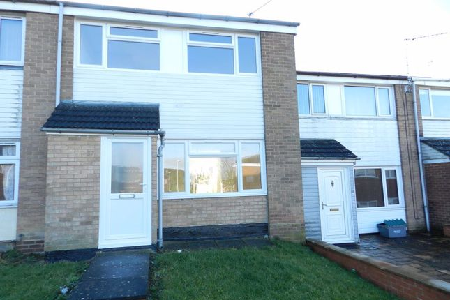 3 bed property to rent in Frobisher Close, Daventry NN11