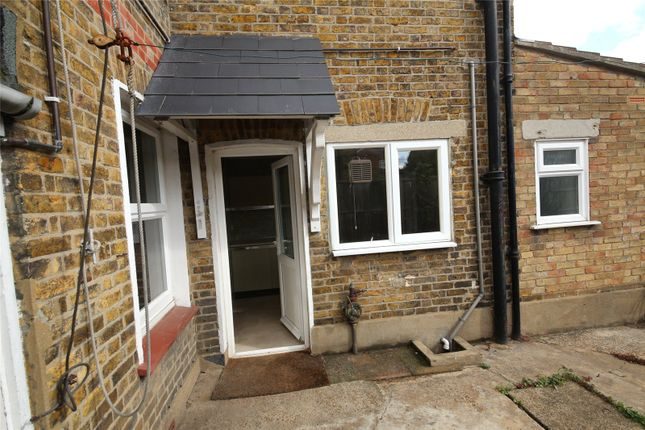 Picture No. 18 of Salisbury Avenue, Stanford-Le-Hope, Essex SS17