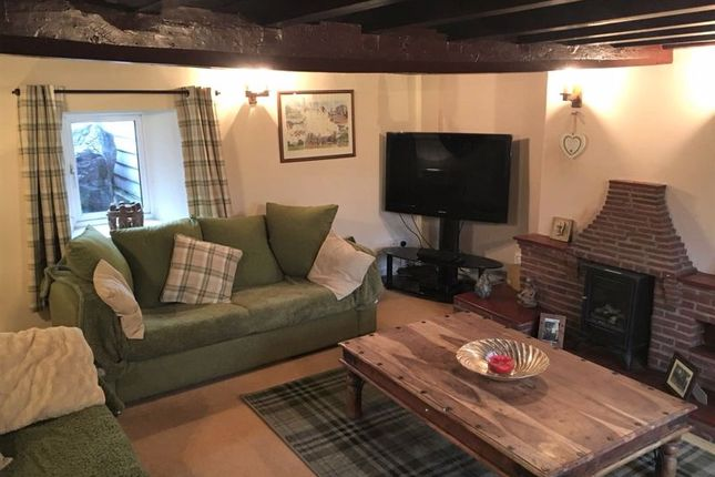 Lounge of Main Street, Scothern, Lincoln LN2
