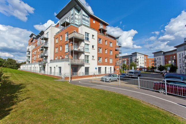 Flat for sale in Avenel Way, Poole