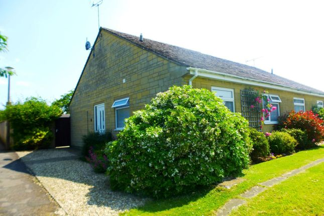 Thumbnail Bungalow to rent in Links View, Cirencester