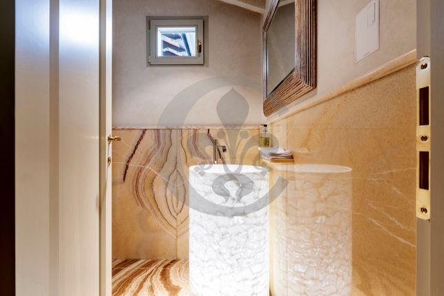 Bathroom of Via Montalbano, Florence City, Florence, Tuscany, Italy