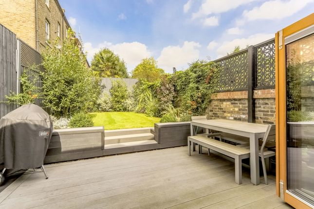 Thumbnail Terraced house for sale in Quentin Road, Lewisham