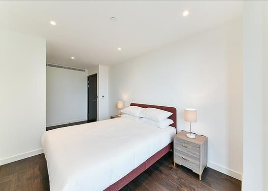 Bedroom of Royal Mint Street, Tower Hill, London E1