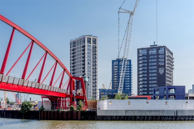 Picture No. 06 of Albion House, London City Island, Canning Town, London E14