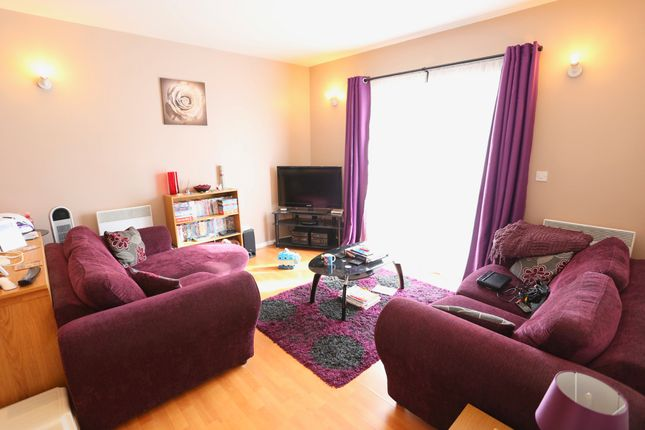Thumbnail Flat to rent in Sovereign Heights, Slough
