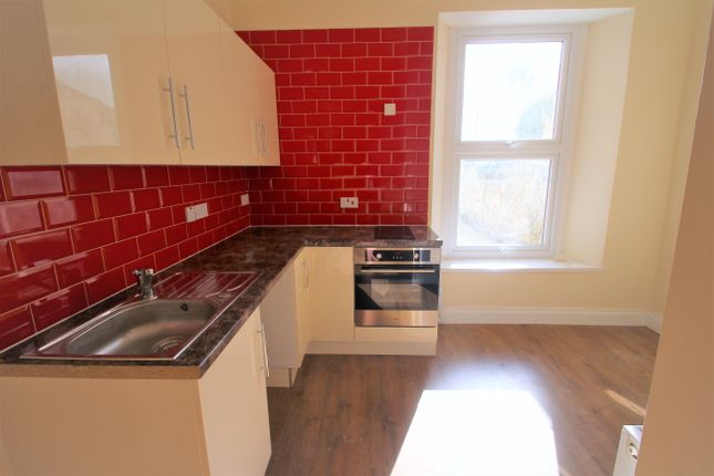 Thumbnail Flat to rent in Cromwell Road, Plymouth