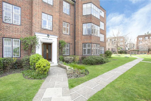 1 bed flat for sale in Highlands Heath, Portsmouth Road, London SW15