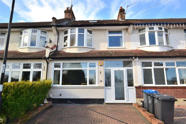 Thumbnail Terraced house for sale in Lynwood Gardens, Waddon