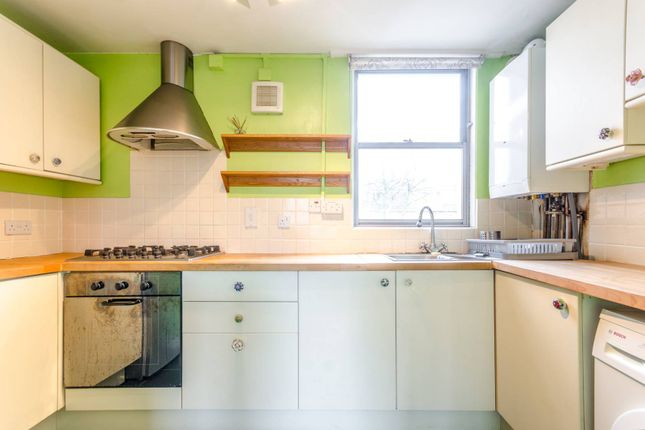 Thumbnail Flat to rent in Upper Lismore Walk, Canonbury