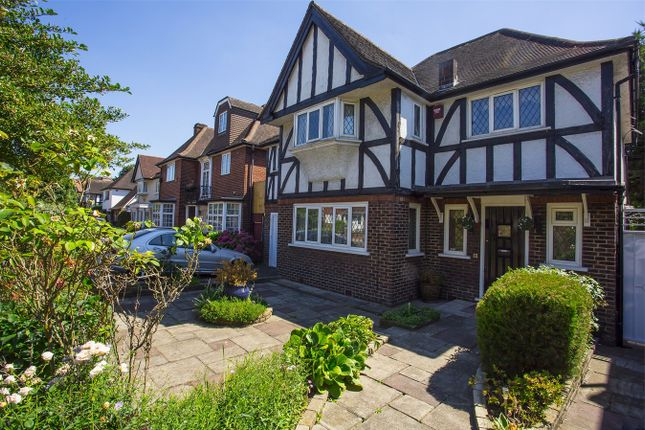 5 bed detached house for sale in Corringway, London