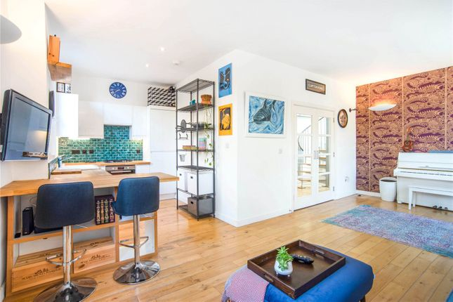 2 bed flat for sale in Clarence Road, London E5