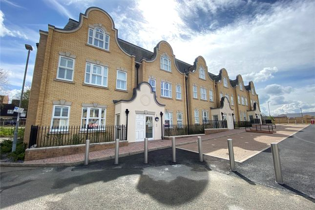 2 bed flat for sale in Dunton Court, Aston Road, Basildon, Essex SS15